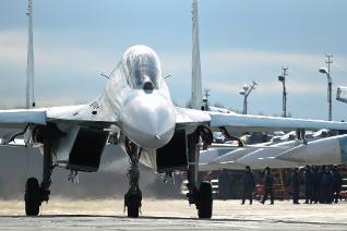 俄军主力战机集群出动应对乌克兰